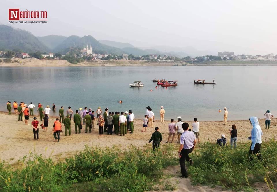 8 học sinh Hòa Bình chết đuối thương tâm ở sông Đà - Ảnh 2