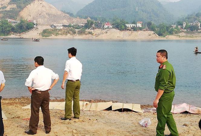 Vụ 8 học sinh chết đuối trên sông Đà: Lời kể thắt lòng của người vớt thi thể nạn nhân - Ảnh 2