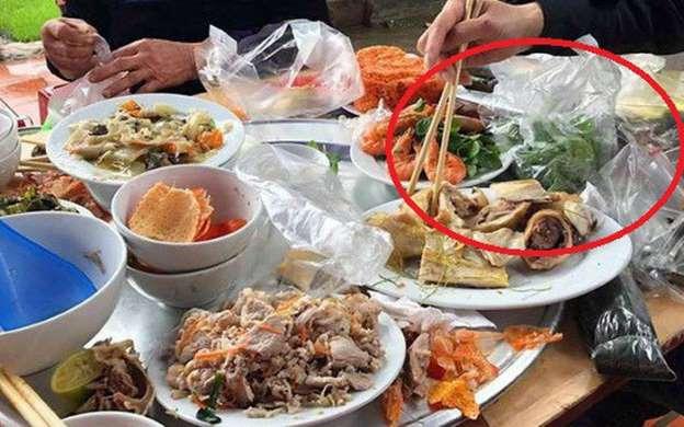 """Chuyện lạ ở Nam Định: Chủ nhà bị phạt 3 triệu đồng nếu để """"khách ăn cỗ lấy phần"""" - Ảnh 1"""
