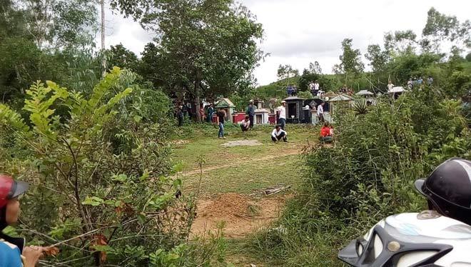 Điều tra vụ thi thể người phụ nữ ở khu nghĩa địa - Ảnh 1