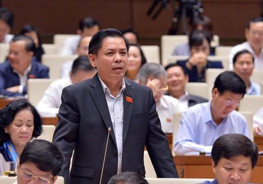 """Bộ trưởng GTVT Nguyễn Văn Thể đề xuất """"mất bằng lái xe phải thi lại"""" - Ảnh 1"""