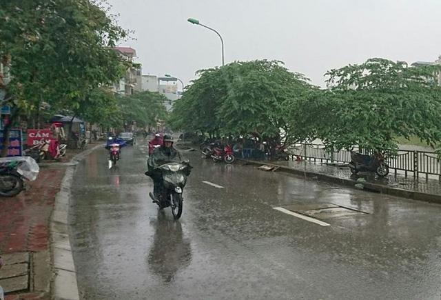 Dự báo thời tiết ngày 1/4: Không khí lạnh ảnh hưởng miền Bắc, Hà Nội mưa rào - Ảnh 1