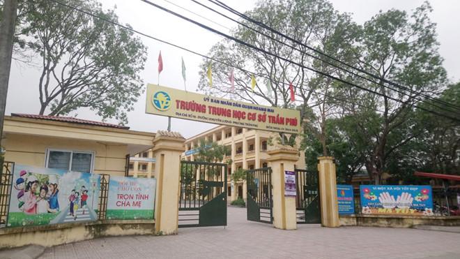 Vụ thầy giáo bị tố dâm ô 7 nam sinh ở Hà Nội: Nữ Hiệu trưởng trường THCS Trần Phú nói gì? - Ảnh 2