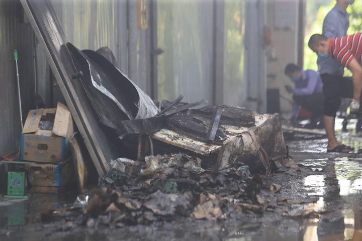 Vụ cháy 8 người chết và mất tích ở Hà Nội: Ai là chủ dãy nhà xưởng? - Ảnh 1