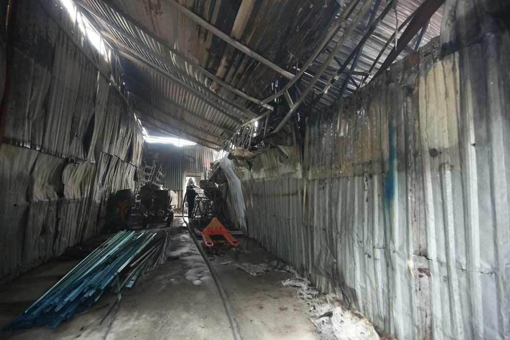 Hiện trường kinh hoàng vụ cháy nhà xưởng 8 người chết và mất tích ở Hà Nội - Ảnh 3