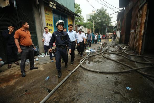 Hiện trường kinh hoàng vụ cháy nhà xưởng 8 người chết và mất tích ở Hà Nội - Ảnh 8