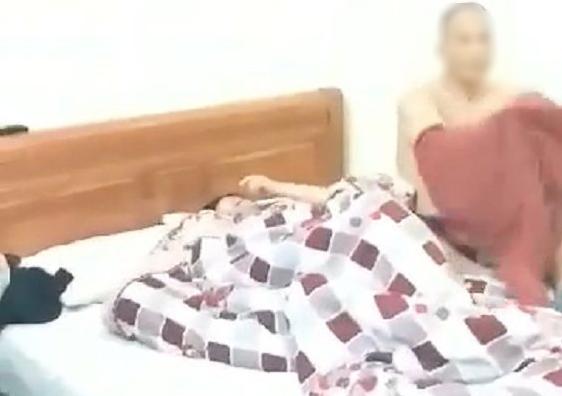 Tin tức thời sự 24h mới nhất ngày 18/4/2019: Nữ giáo viên bị chồng bắt quả tang vào nhà nghỉ với đồng nghiệp - Ảnh 1