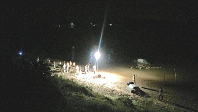Tin tức thời sự 24h mới nhất ngày 30/4/2019: Hàng trăm người tìm kiếm 3 học sinh chết đuối trên sông Hiếu - Ảnh 1