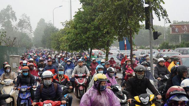 Chủ tịch Nguyễn Đức Chung: Hà Nội chưa có quyết định chính thức về việc cấm xe máy - Ảnh 1