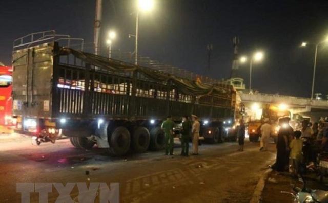 Tai nạn giao thông nghiêm trọng tại ngã tư An Sương, 2 người tử vong tại chỗ - Ảnh 2