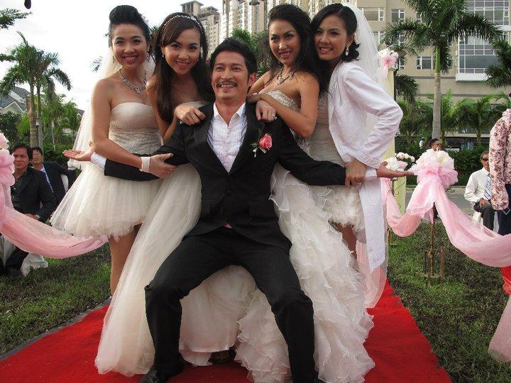 Hoài Linh, Huy Khánh đứng top 10 sao nam Việt nhiều phim chiếu rạp nhất thập kỷ - Ảnh 2