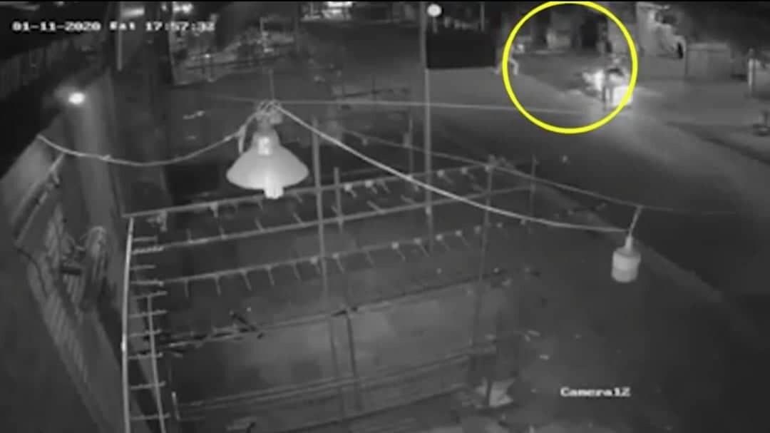 Hà Nội: Truy tìm hung thủ bắn gục người đàn ông ở gần sân thể thao Ninh Hiệp - Ảnh 1