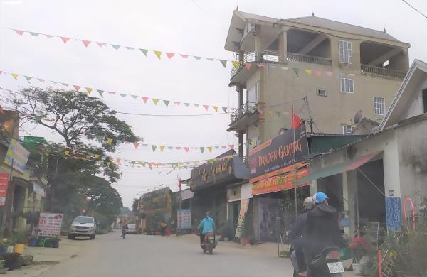Cảnh sát đột kích sới bạc trong quán karaoke, thu giữ hơn 500 triệu đồng - Ảnh 1