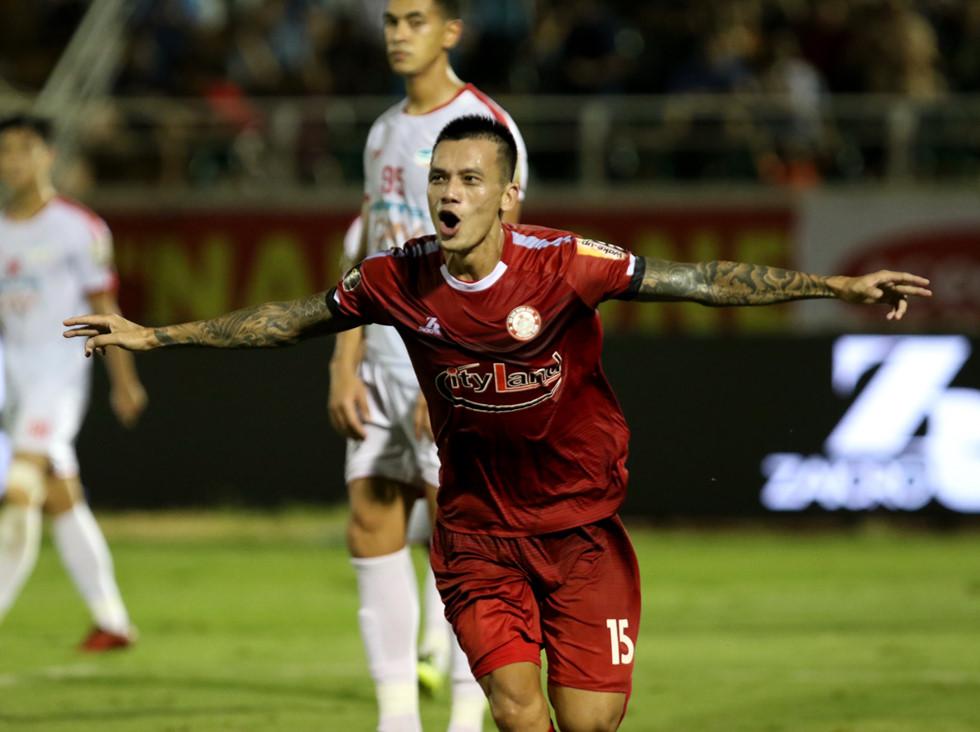 Điểm danh 10 ngôi sao mới của bóng đá Việt Nam - Ảnh 5