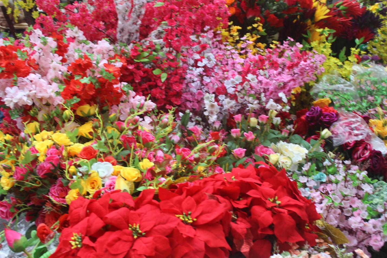 Người dân nô nức ghé thăm phiên chợ hoa Tết lâu đời nhất Hà Nội trong ngày rét ngọt  - Ảnh 11