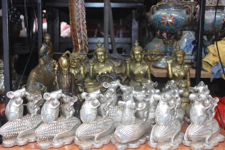 Người dân nô nức ghé thăm phiên chợ hoa Tết lâu đời nhất Hà Nội trong ngày rét ngọt  - Ảnh 12