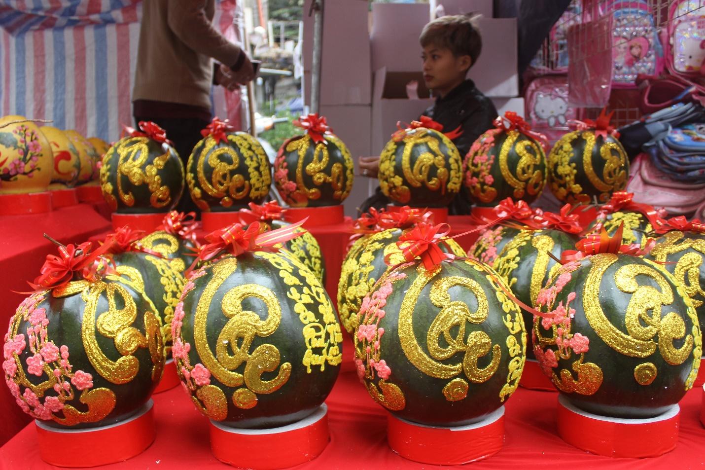Người dân nô nức ghé thăm phiên chợ hoa Tết lâu đời nhất Hà Nội trong ngày rét ngọt  - Ảnh 13