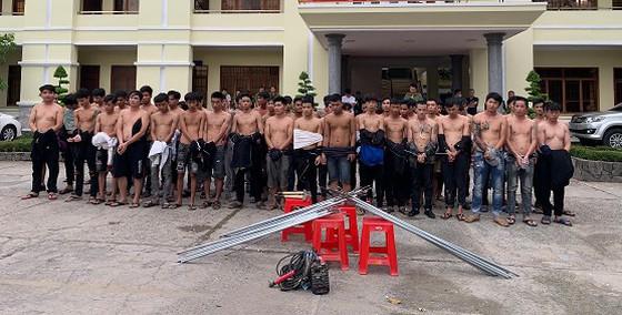 """Vụ 2 băng nhóm giang hồ """"dàn trận"""" hỗn chiến ở Biên Hòa: Vợ chồng Hưng """"xăm"""" bị tạm giữ - Ảnh 1"""