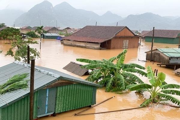 Tin tức dự báo thời tiết mới nhất hôm nay 12/10/2020: Miền Trung mưa lớn, cảnh báo lũ khẩn cấp - Ảnh 1