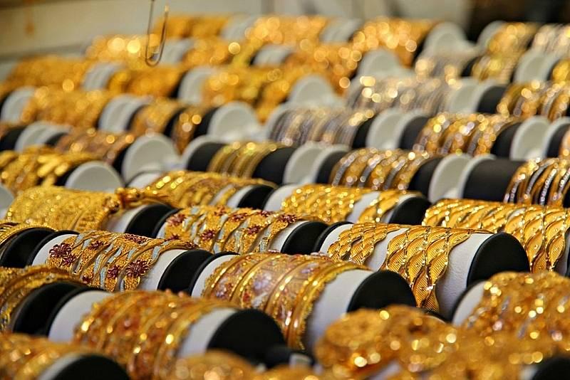 Giá vàng hôm nay 19/10/2020: Phiên đầu tuần, giá vàng SJC mua vào bất ngờ giảm mạnh - Ảnh 1