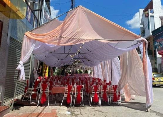 """Vụ nhà hàng bị """"bùng"""" 150 mâm cỗ cưới: """"Cô dâu"""" đến trụ sở công an làm việc - Ảnh 1"""