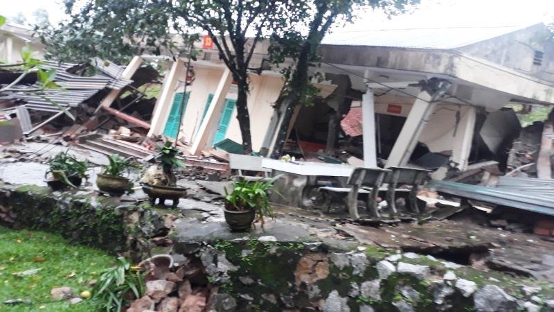 Hiện trường vụ sạt lở núi, đổ sập trụ sở Đồn Biên phòng cửa khẩu Cha Lo - Ảnh 1