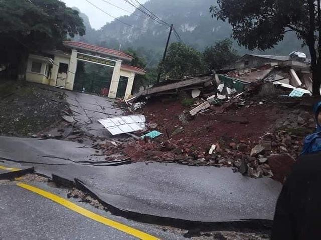 Hiện trường vụ sạt lở núi, đổ sập trụ sở Đồn Biên phòng cửa khẩu Cha Lo - Ảnh 6