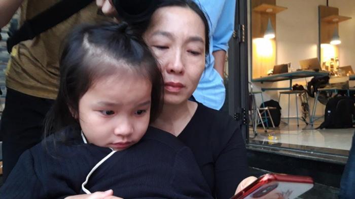 Vụ sạt lở ở Quảng Trị, 22 chiến sĩ gặp nạn: Mẹ già khóc ngất, lao vào dòng nước lũ tìm con - Ảnh 2