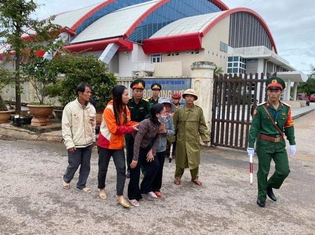 Vụ sạt lở ở Quảng Trị, 22 quân nhân bị vùi lấp: Vài tiếng trước gặp nạn, chiến sĩ gọi về nhà dặn dò từng người - Ảnh 1