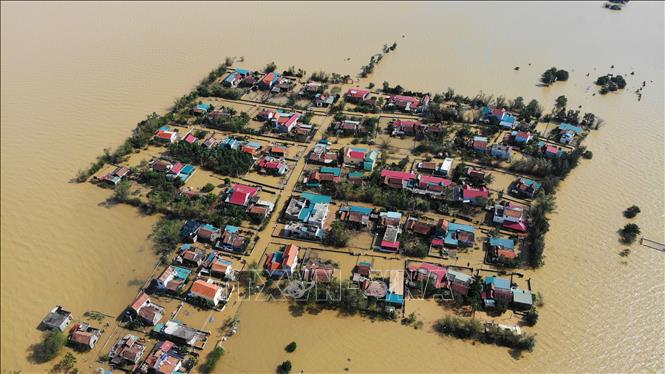 Chính phủ Mỹ chia buồn với Việt Nam về mất mát do lũ lụt ở miền Trung - Ảnh 1