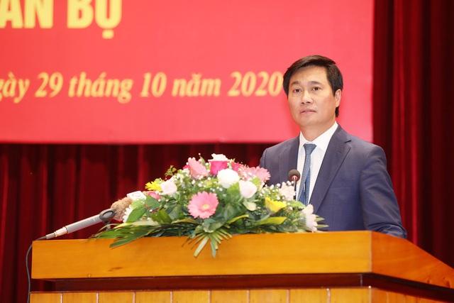 Chân dung Thứ trưởng bộ Xây dựng vừa được điều động làm Phó Bí thư Tỉnh ủy Quảng Ninh - Ảnh 1