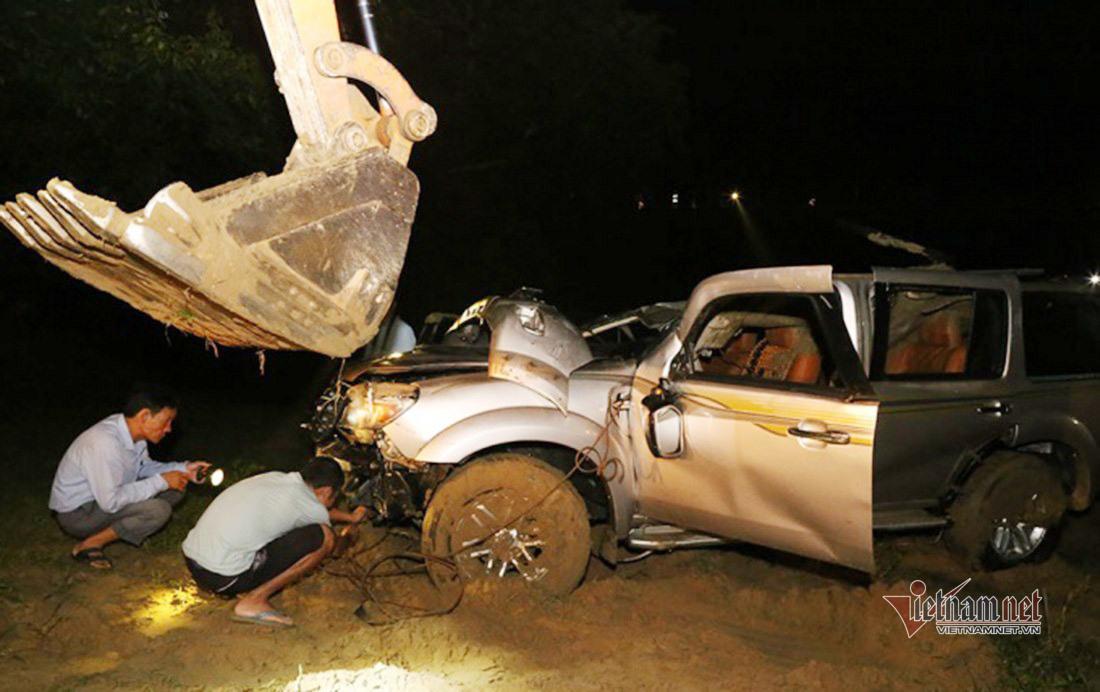 Vụ ô tô lao xuống sông, 5 người tử vong ở Nghệ An: Tài xế không làm chủ tốc độ - Ảnh 1