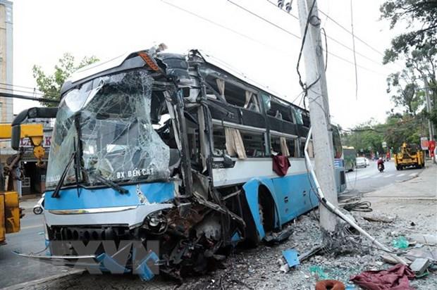 Tin tai nạn giao thông mới nhất ngày 7/10/2020: 2 mẹ con thương vong dưới bánh xe tải khi đi khám bệnh - Ảnh 1