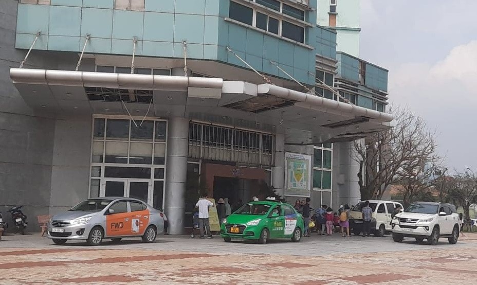 """Chuyện """"uyển chuyển"""" thu phí giữ xe tại bệnh viện Sản - Nhi Đà Nẵng - Ảnh 1"""