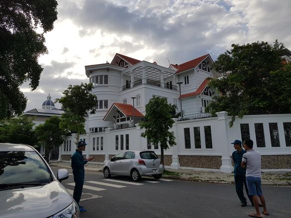 Vụ nguyên Bí thư Thành ủy Nha Trang bị tấn công: Nghi phạm xưng là nhân viên giao hàng - Ảnh 1