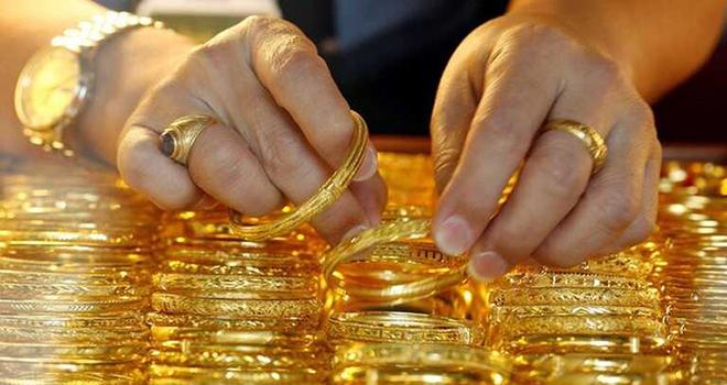 Giá vàng hôm nay 18/12/2020: Giá vàng SJC tiếp tục tăng - Ảnh 1