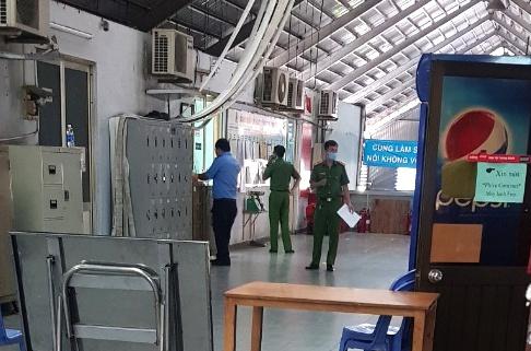 Vụ nữ trưởng ban quản lý chợ Kim Biên bị đâm chết: Nghi phạm là nam bảo vệ - Ảnh 1