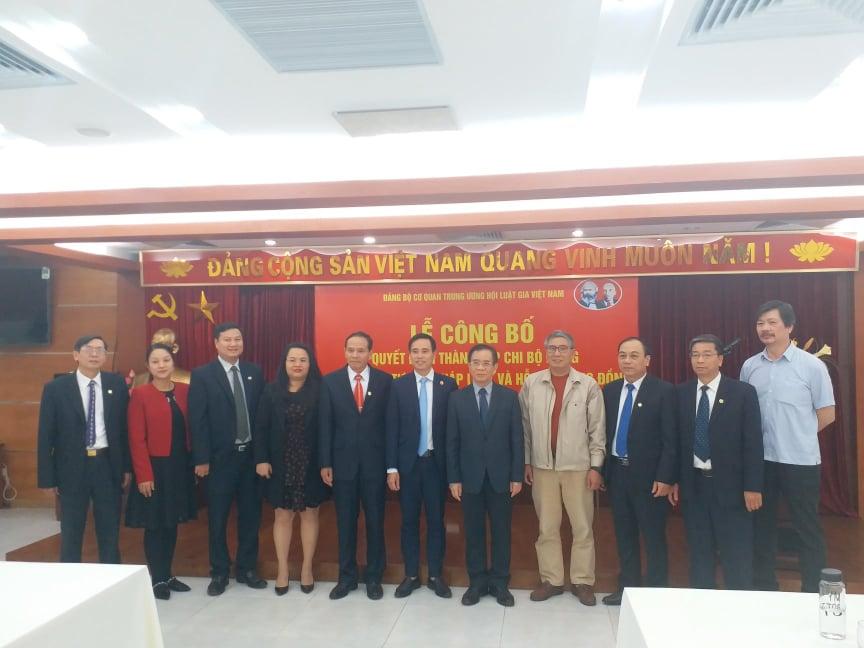 Công bố Quyết định thành lập chi bộ trung tâm Tư vấn pháp luật và Hỗ trợ cộng đồng - Ảnh 5