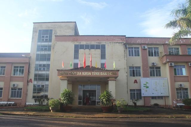 Chủ tịch UBND tỉnh Đắk Nông giao kiểm tra lại vụ giám đốc bệnh viện bị điều chuyển vì lơ là chống dịch corona  - Ảnh 1