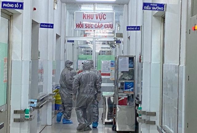 Một Việt kiều Mỹ 73 tuổi nhiễm virus corona sau khi quá cảnh Vũ Hán trong 2 giờ - Ảnh 1