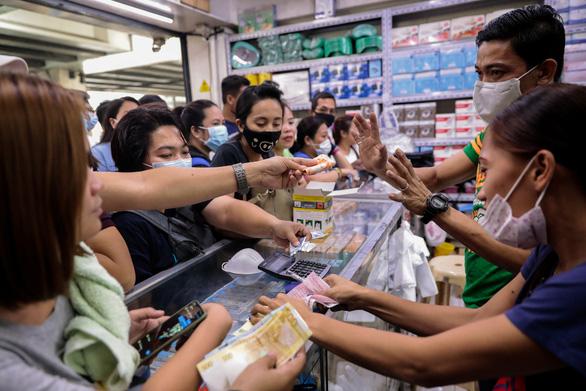 Người đầu tiên chết vì virus corona ở Philippines - Ảnh 1