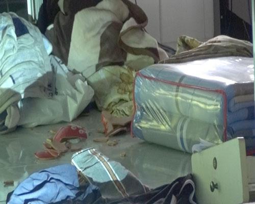 Đi ăn cưới về, gia đình tá hỏa phát hiện mất trộm gần 1 tỷ đồng - Ảnh 2