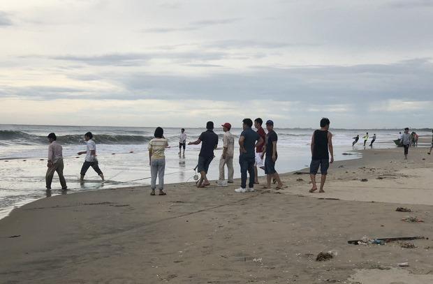 Phát hiện thi thể người phụ nữ không nguyên vẹn dạt vào bờ biển Đà Nẵng - Ảnh 1