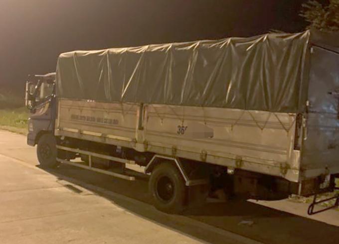 Đi ngược chiều trên cao tốc Hà Nội- Hải Phòng, tài xế xe tải bị phạt 17 triệu đồng - Ảnh 1