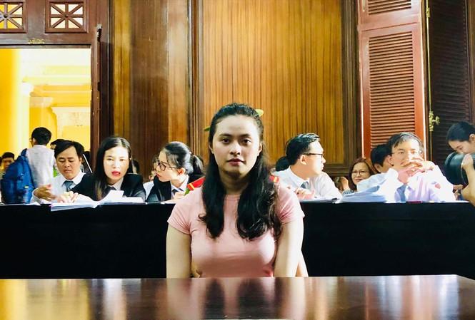 """""""Hot girl"""" Ngọc Miu, người tình của ông trùm ma túy Văn Kính Dương bị truy tố về tội danh gì? - Ảnh 1"""