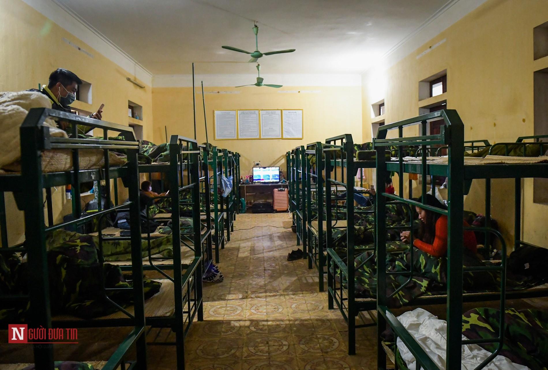 Bên trong khu vực cách ly công dân Việt Nam trở về từ Trung Quốc - Ảnh 7