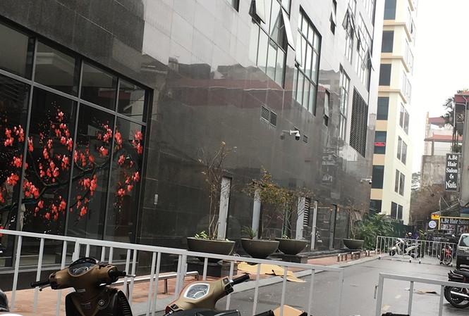 Vụ người phụ nữ rơi từ tầng 20 chung cư ở Hà Nội: Tìm thấy thư tuyệt mệnh - Ảnh 1