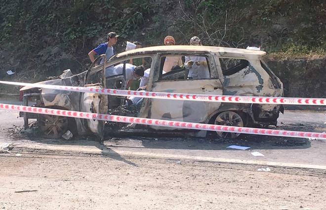 Vụ 2 người chết trong ô tô bốc cháy: Nạn nhân là vợ chồng - Ảnh 1