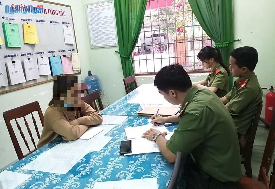 """""""Chém gió"""" về Covid-19 ở Quảng Ngãi trên Facebook, cô gái bị phạt 5 triệu đồng - Ảnh 1"""