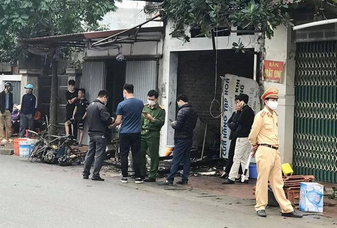 Hiện trường vụ cháy nhà lúc nửa đêm ở Hưng Yên, 3 người trong gia đình tử vong - Ảnh 1